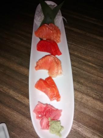 Kyoto Japanese Cuisine: Salmon sashimi sampler