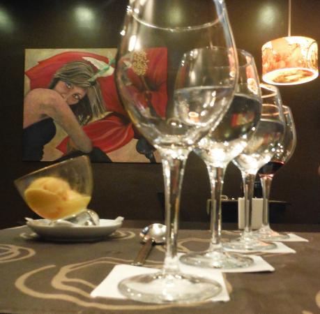 Barceló Santa Cruz Contemporáneo: Room off bar