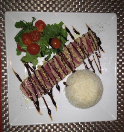 Pier88 Restaurant & Lounge : The beautiful Tuna
