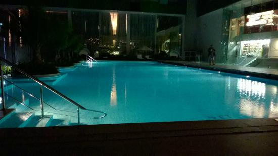 Swimming Pool At Night Picture Of Vivanta By Taj Whitefield Bengaluru Tripadvisor