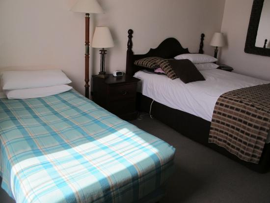 Quality Hotel Hobart Midcity: bed
