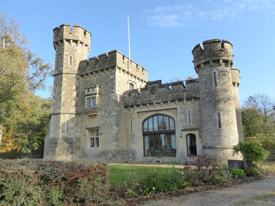 Bath lodge castle picture of bath lodge castle norton for Small houses that look like castles