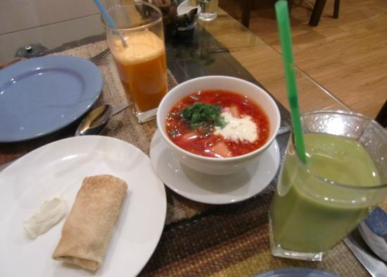 Sunduk: fresh juice,pancake,borsh