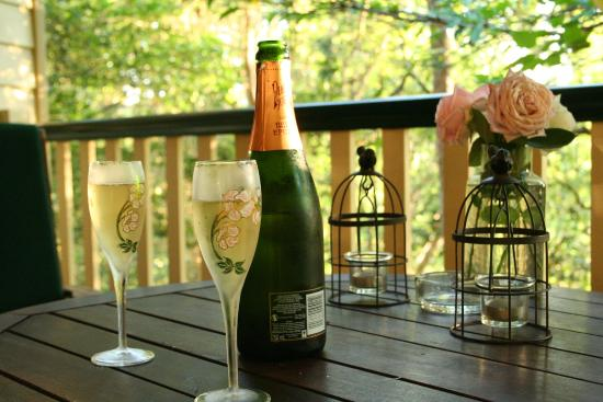 The Falls Montville: A great outlook for a relaxed celebration