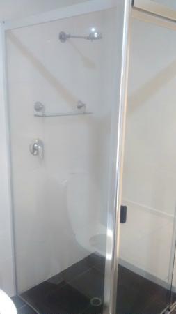 Huge Shower - Studio Spa Room