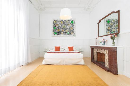 Cami Bed and Gallery: Pop Room