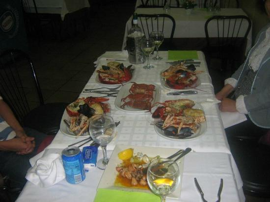 mariscada fotograf a de cafeteria restaurant vilanova i la geltr tripadvisor. Black Bedroom Furniture Sets. Home Design Ideas