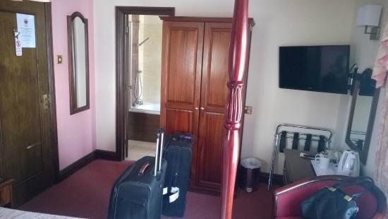 Pilgrims Hotel : room