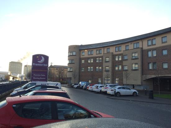 Premier Inn Glasgow City Centre South Hotel: View from outside