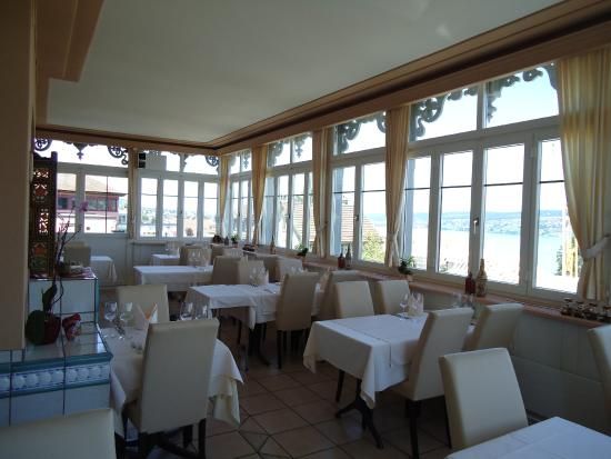 Chalet India: Jharokha(Dining Area with Lake view)