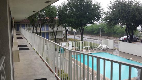 Motel 6 Del Rio: pool