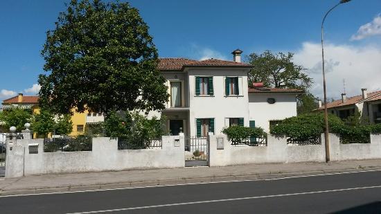 Bed and Breakfast Villa Griselda