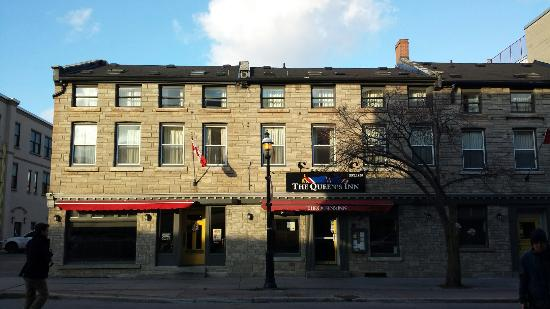 The Queen's Inn : historical property