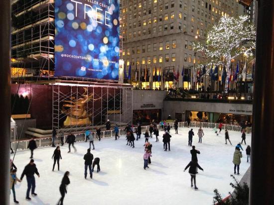 The Rink at Rockefeller Center: Pre-christmas skating