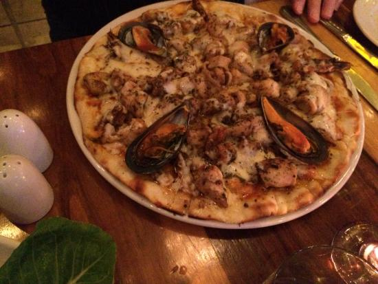 TUSCANY BEACH RESTAURANT: Atlantico pizza