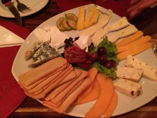 TUSCANY BEACH RESTAURANT: Cheese platter for two