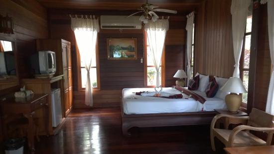 Searine Samui Boutique Resort: wooden villa