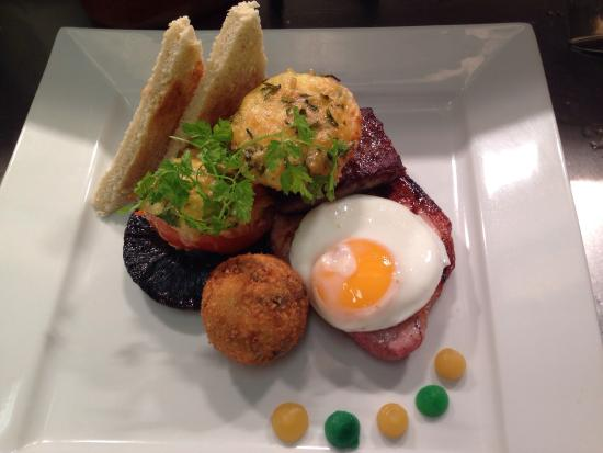 Old Red Lion Inn: New breakfast style