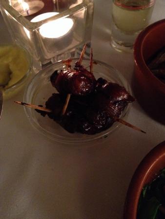 Castillo Catalana: Sweetened dates wrapped in bacon