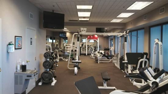 Crowne Plaza Hotel Executive Center Baton Rouge: View one of the gym