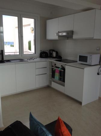 Caleton Blanco: Kitchen
