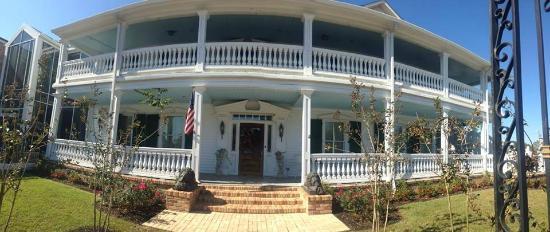 The Hotel Magnolia: Front Door