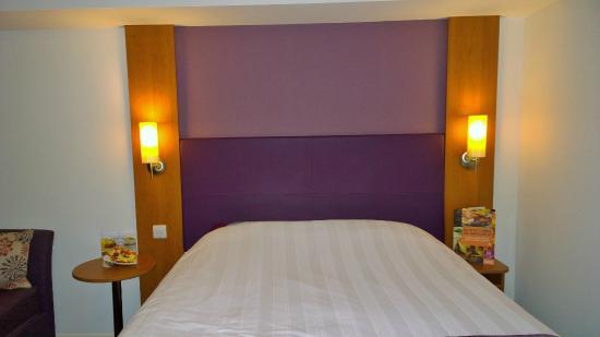 Premier Inn Edinburgh A7 (Dalkeith) Hotel: Bed