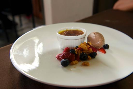 Rosas & Xocolate Hotel Restaurant: Creme Brulle