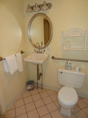 The Clarkeston: Bathroom