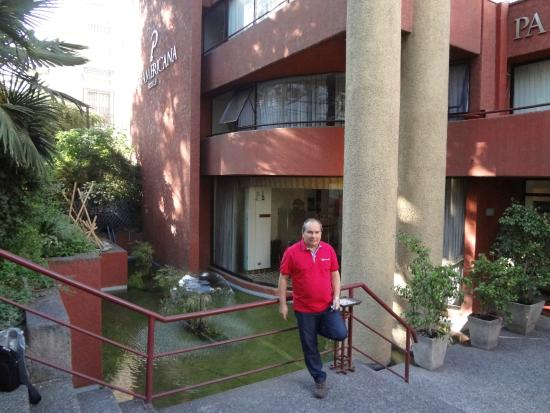 Panamericana Hotel Providencia: Fachada
