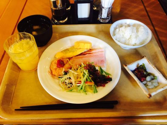 Hotel Route Inn Osaka Honmachi : 無料の朝食バイキングです