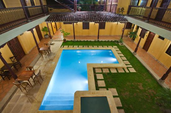 Hotel La Pergola: Piscina 2