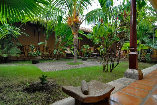 Hotel La Pérgola: Jardín
