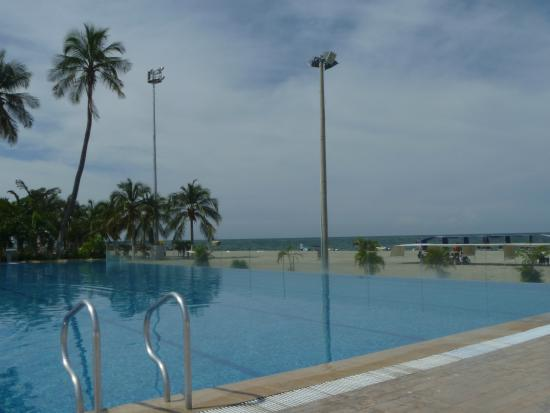 Hotel Tamaca Beach Resort : Piscina