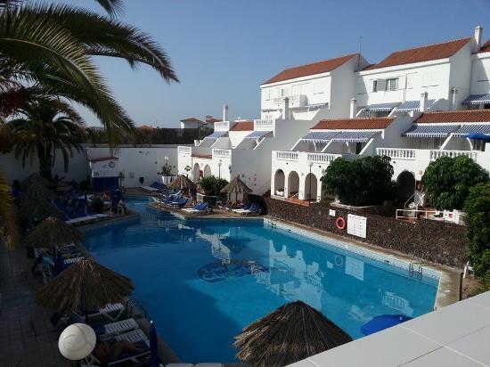 Ona Los Claveles: The pool