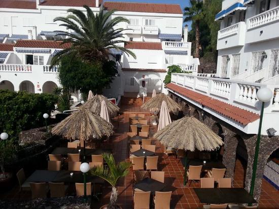 Ona Los Claveles: The pool bar