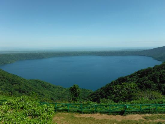 Plus Papagayo Tours and Transfers: Volcano filled by a lake