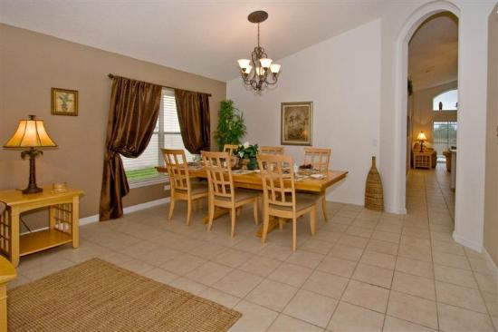 Aviana Resort Orlando : Villa Serenity's Dining Area