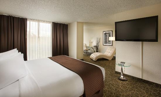 The Governor Hotel, a Coast Hotel: Grand Suite