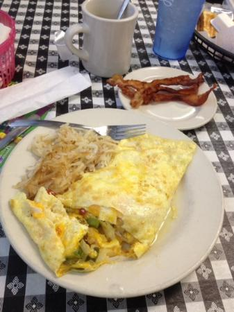 Big Nell's Pit Stop: western omelette with order of bacon
