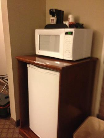 Comfort Suites: nice to have refrigerator and microwave in room