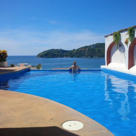 Casa Sun & Moon: Pool and the view from it