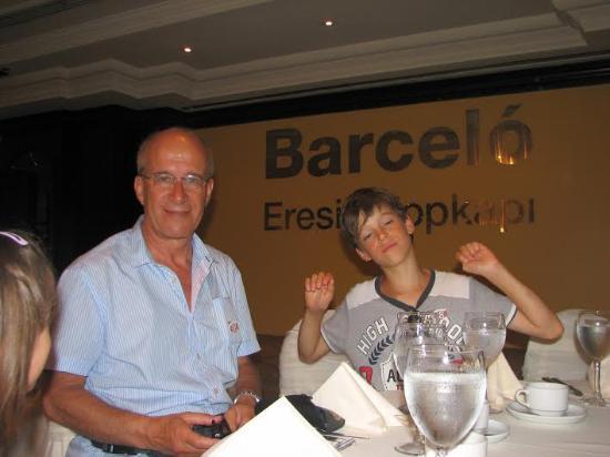 Eresin Hotels Topkapi: Al ristorante con mio figlio