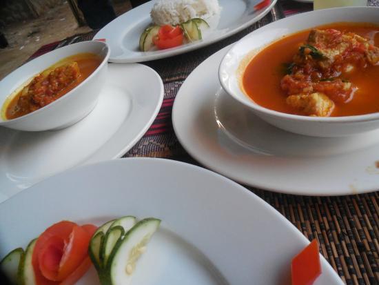 Star Beam : Fish Curry + Rakhine Fish Curry