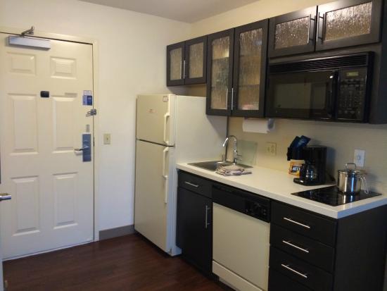Candlewood Suites Phoenix: 3