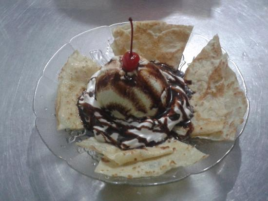 Heladeria Popis : crepa con helado