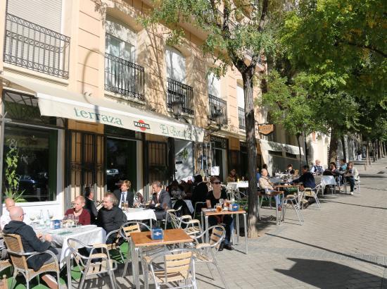 Restaurante El Botánico: Exterior Streetscape