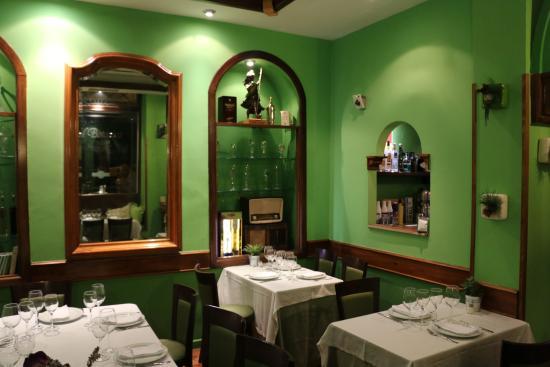Restaurante El Botánico: Interior Dining Area