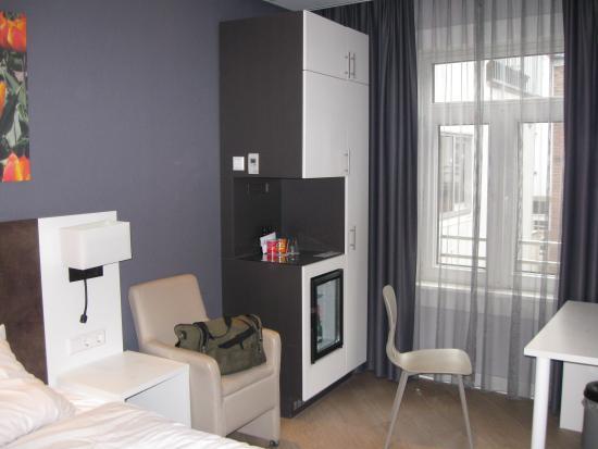 Hotel Amsterdam - De Roode Leeuw: Room View 1