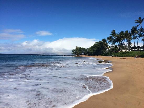 Ulua Beach: View of beach